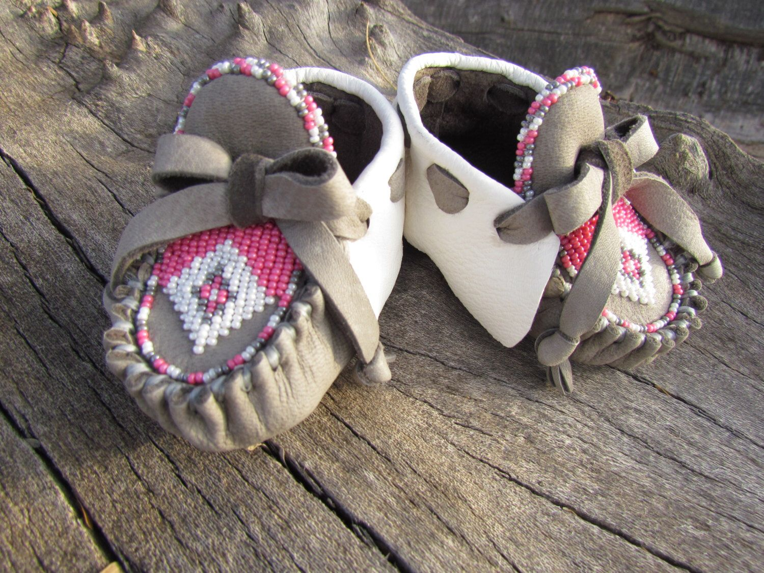 5fd56cad34046 Baby Moccasins By Desi, Beaded, Valentine's Day Gift, White, Pink ...