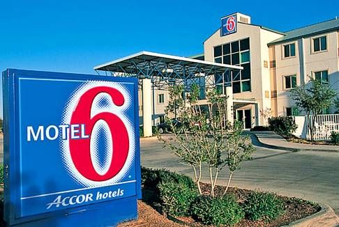 Motel 6 Hermiston Oregon Ious Rooms With Expanded Cable Tv Are Featured At