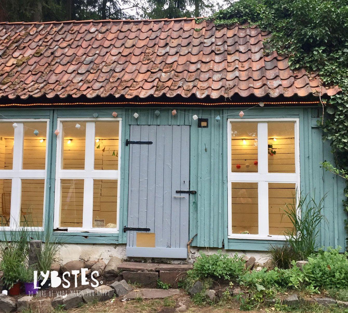 Lybstes Haus Gartenhaus Renovieren In Mint Und Grau Hauskauf2018 Interiordesign In 2020 Gartenhaus Haus Streichen Haus