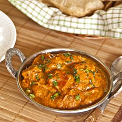 Paneer Butter Masala/Paneer Makhani - Paneer cheese in a rich, creamy tomato gravy. A must have if you love Indian food.