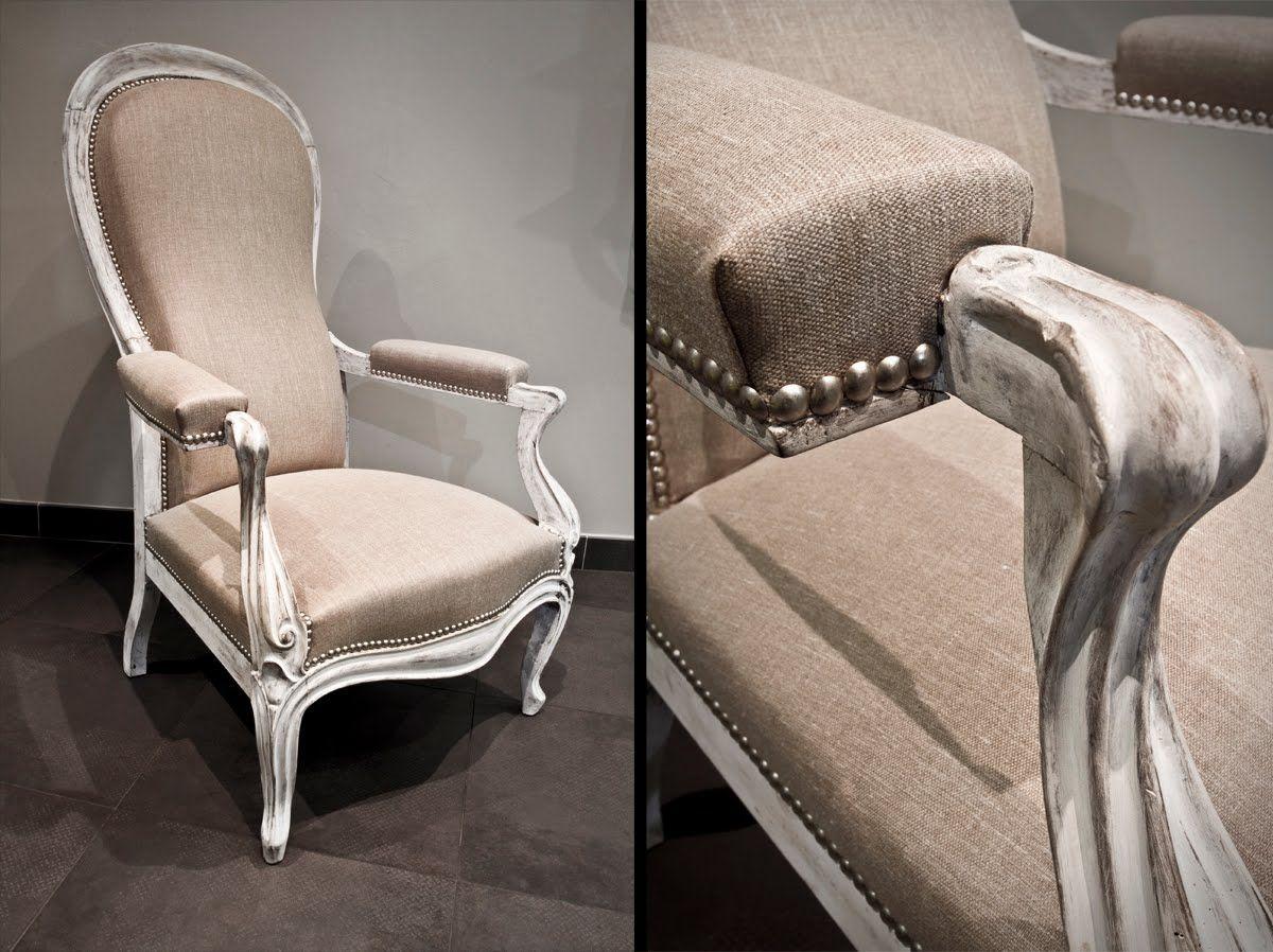 fauteuil voltaire dossier violon recouvert d 39 un tissu toile de lin bois patin et blanchi. Black Bedroom Furniture Sets. Home Design Ideas