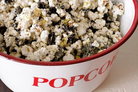 Cookies and Cream Popcorn?  YES PLEASE!!