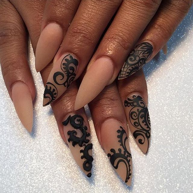 3d Henna On Nude Acrylic Nail Art Nails Acrylic Nails