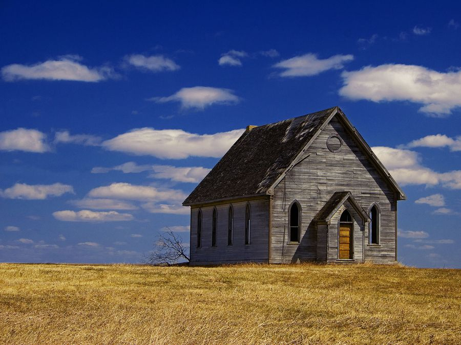 Abandoned Church On The Canadian Plains Of Manitoba Places Time Forgot Pinterest