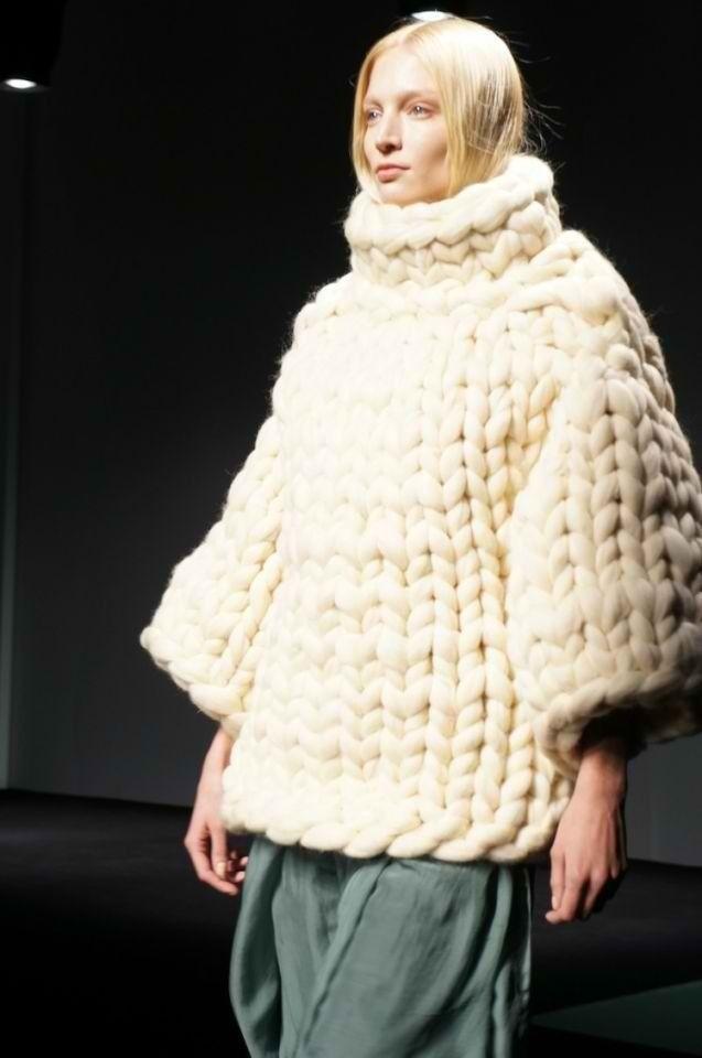 Chunky knit sweater knitwear pinterest tricot dossier et filets - Grosse laine chunky ...