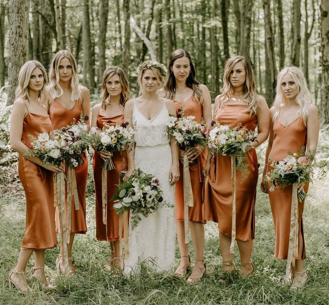 Copper Queens We Can T Get Enough Of This Trending Wedding Color Scheme What Color Are Your Br Summer Wedding Dress Bridesmaid Colors Silk Bridesmaid Dresses