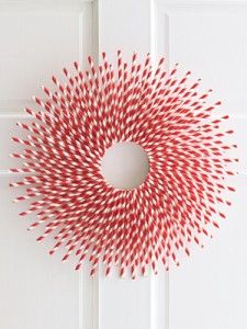 Modern Christmas Wreaths | Basil Green Pencil