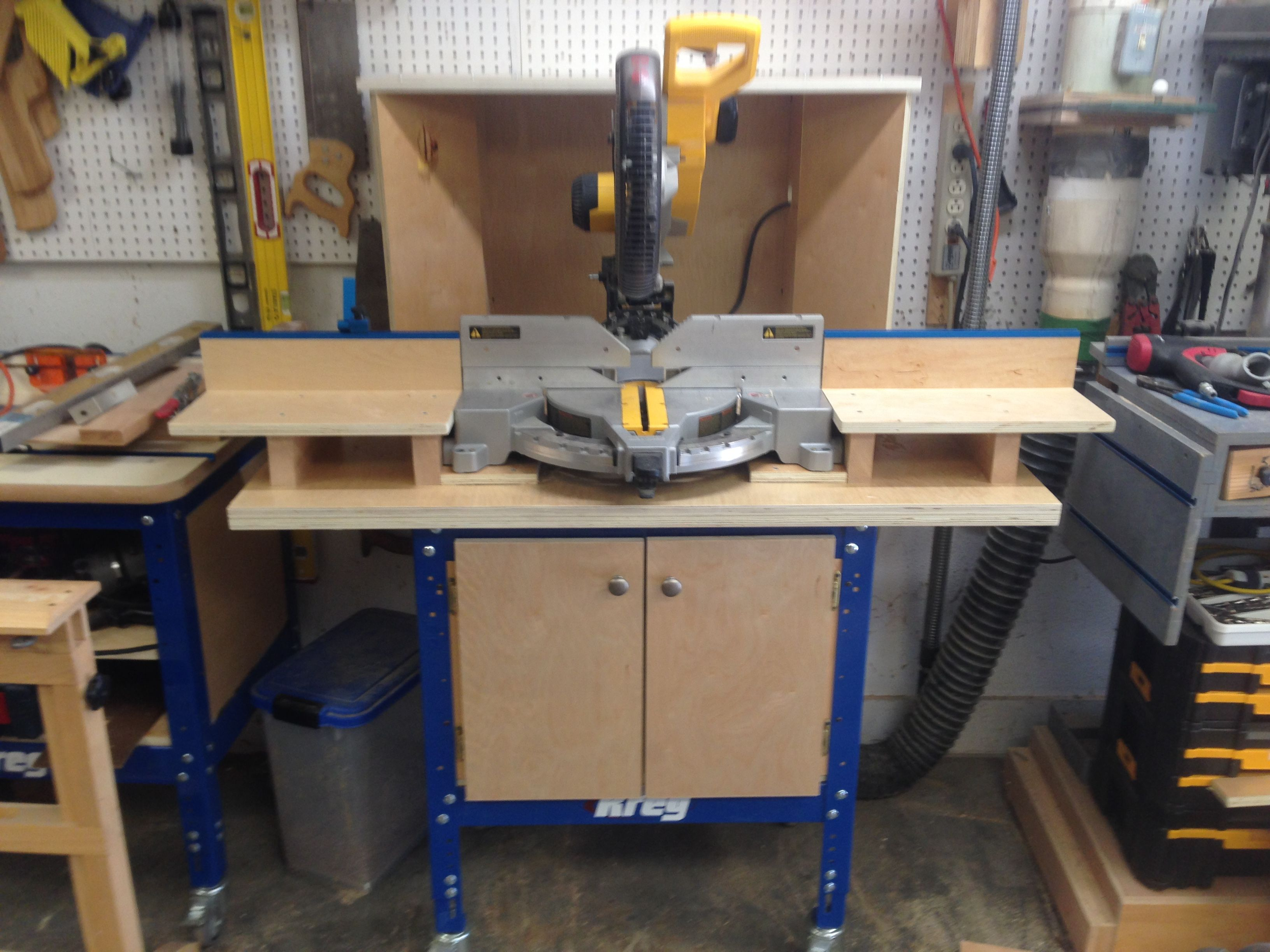miter saw station -using kreg universal stand with rollers