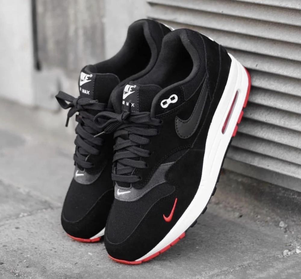 Nike air max 1 black red white