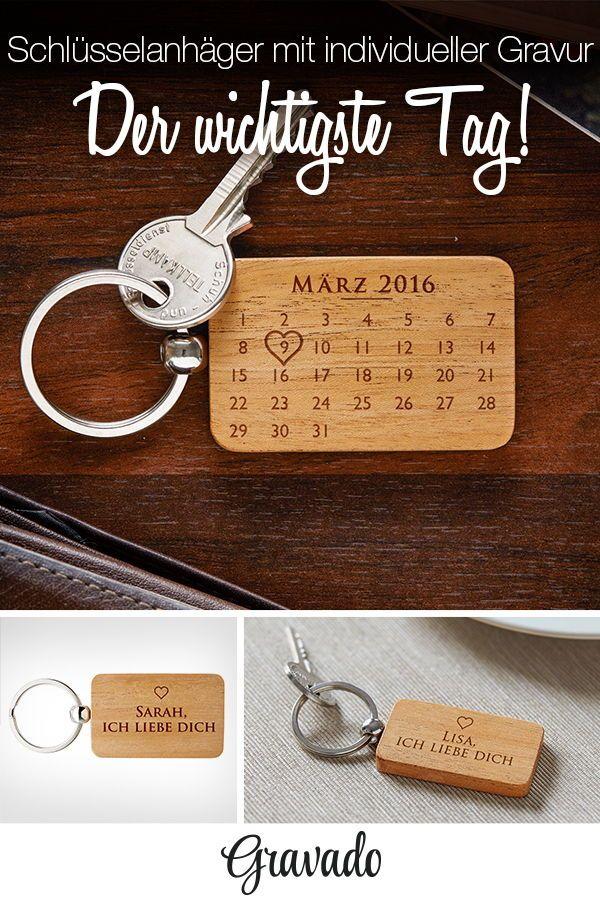 holz schl sselanh nger mit gravur kalender personalisiert liebe geschenke f r. Black Bedroom Furniture Sets. Home Design Ideas