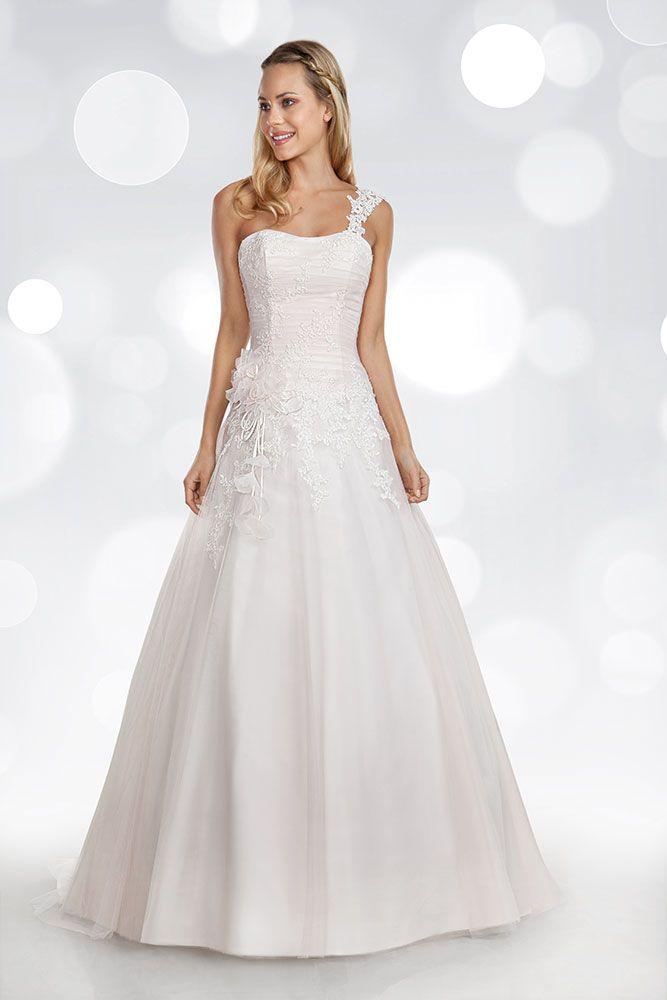 ba9d30aa966c  mimmagio  lestellemimmagio  caserta  teverola  wedding  matrimonio  bride   sposa  nozze  dress  abito  white  tuttosposi