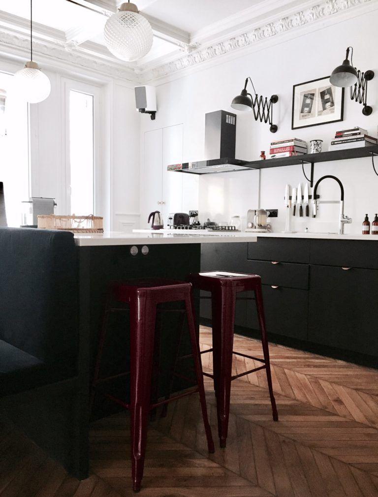 Visite Privee Chez Blanche Et Vincent Paris Billie Blanket Cuisines Maison Deco Appartement Cuisine Moderne Blanche