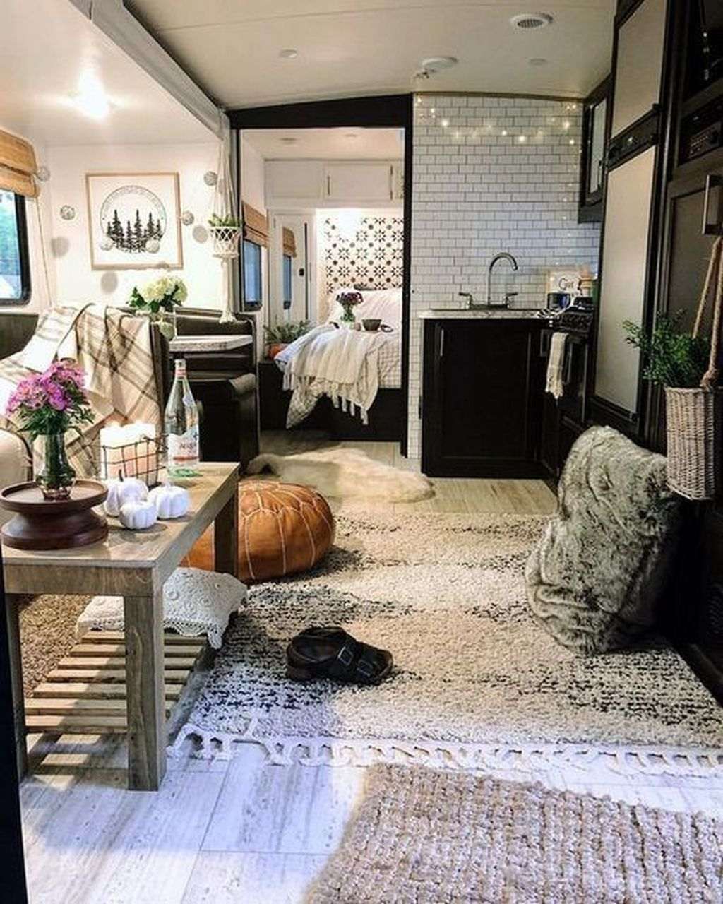 32 Unique Rv Camper Remodel Ideas On A Budget - HOMYFEED #rvliving