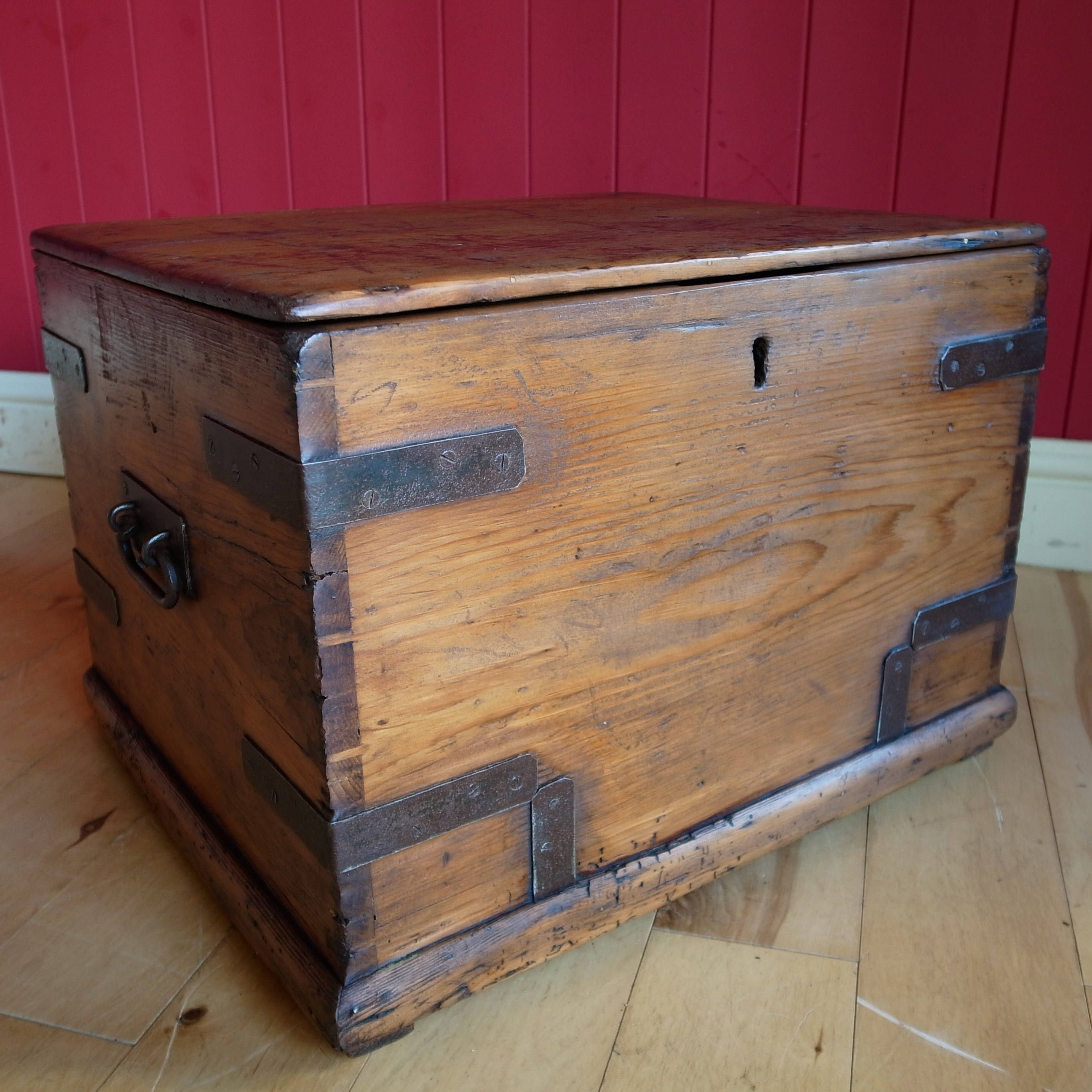 Attrayant ANTIQUE WOODEN CHEST Rustic Industrial Trunk Reclaimed Victorian Deed Box Vintage  Storage Chest Tv Stand Side