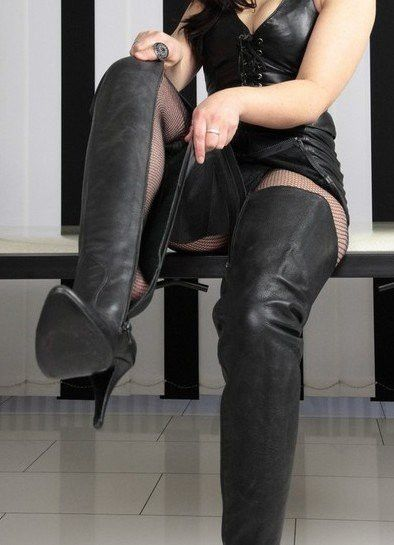 Pin By Fatrosita On Thigh High Boots Thigh High Boots Cool