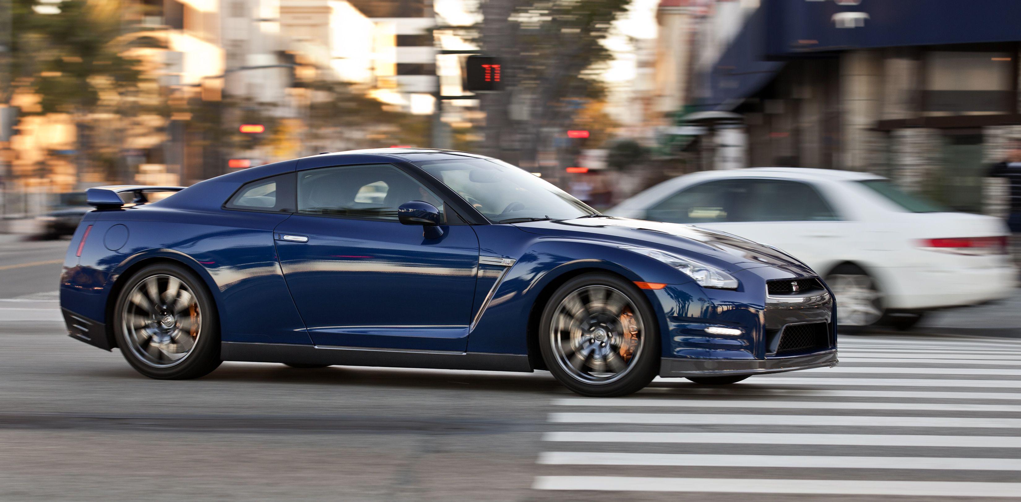 Nissan GT R 0 60 MPH 2 8 seconds Cool Cars Pinterest