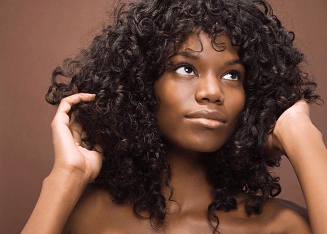 Les Huiles Capillaires Pour Des Cheveux Disciplines Et Brillants Cheveux Remedes Maison Soin Cheveux Afro
