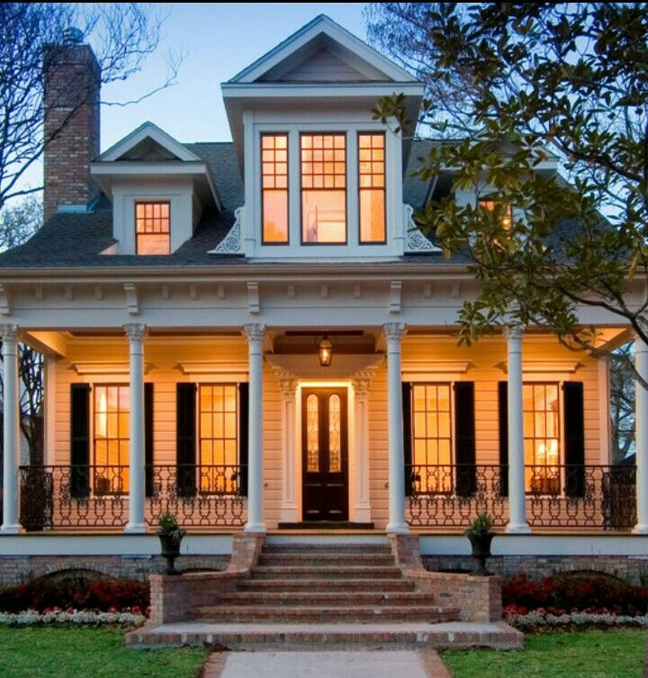 A Classic British Colonial Style Home Exterior Design For Inspiration My Dream Home House Styles Architecture