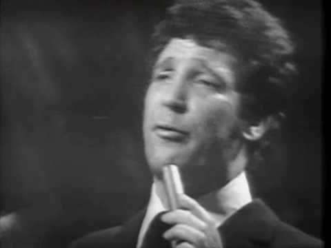 August 10th (1968): Tom Jones, Delilah.    Tom Jones went to No.1 on the UK album chart with 'Delilah'.    http://www.thisdayinmusic.com