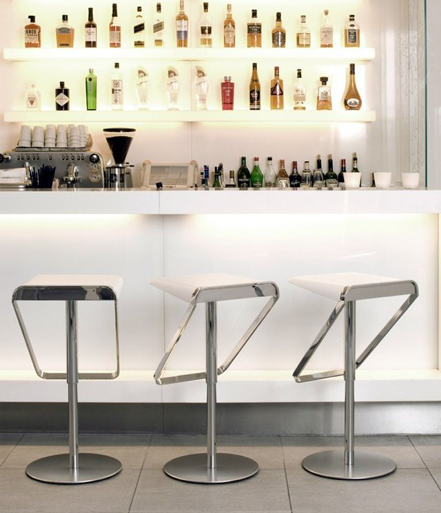 Modern house bar design - House interior