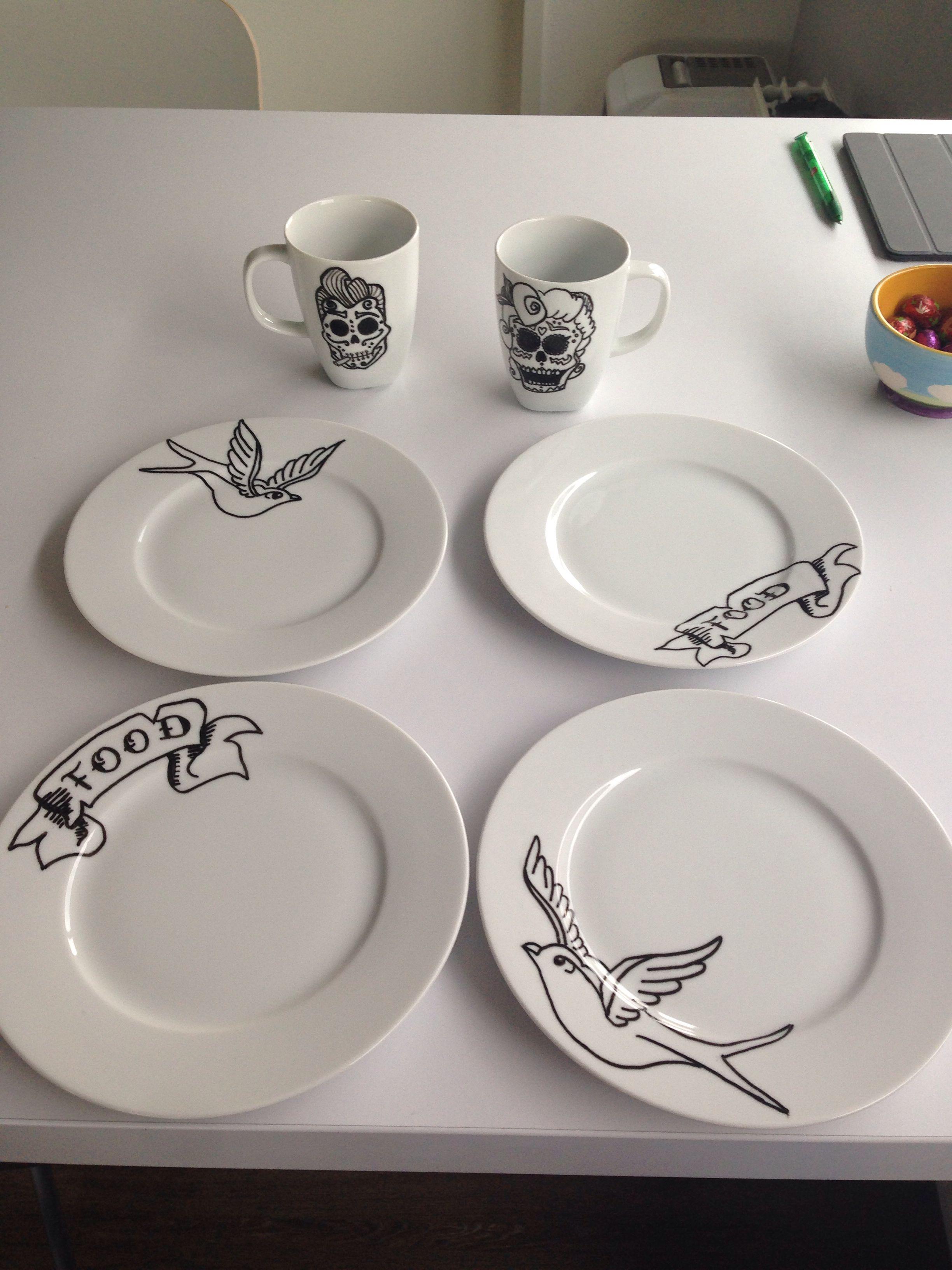 Porcelain-pen on ikea-plates. Let ink dry for 4hours. Put