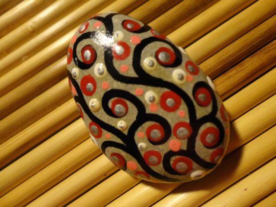 painted-beach-stone-pebble-art