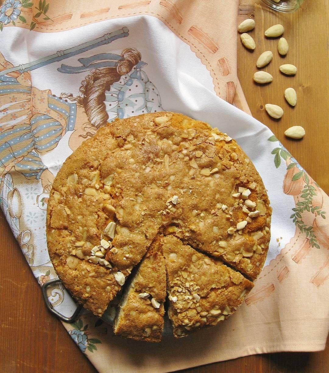 Poche parole tanta sofficità.  Ora sul #blog le indicazioni per preparare la Torta Rustica alle Mandorle con Confettura di Albicocche. La merenda è servita. #buonpomeriggio #merenda #merendaitaliana #colazione #colazioneitaliana #ilcolazionista #teabreak #breakfast #torta #senzalattosio #lactofree #mandorle #apricotjam #yummy #delicious #love #food #foodie #foodlover #foodblog #italianfoodbloggers #foodpassion #healthyfood #instafood #instagood #foodstagram #ricettefacili #igersitalia…