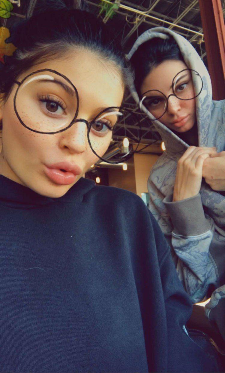Instagram Kylie Jenner Kendall Jenner nudes (48 photos), Tits, Paparazzi, Selfie, butt 2018