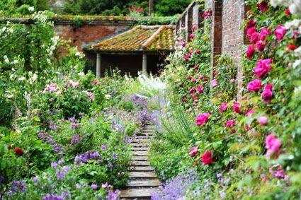 Mottisfort Gardens Romsey Hampshire Uk Most Beautiful Gardens Cottage Garden Beautiful Gardens