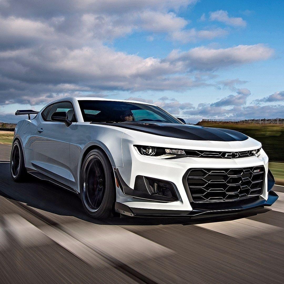 Chevrolet Camaro Zl1 1le 2018 Esse E O Camaro Mais Preparado Para Pistas Ate Hoje Feito Para Venda Isso Inclui Suspensao Esportiva Ajustavel A Camaro Zl1 Chevrolet Camaro E Carros