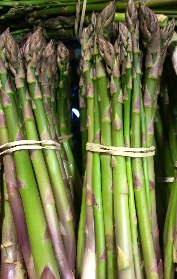 more gorgeous asparagus #fabulousfruitandveggies #5aday #mannafromdevon