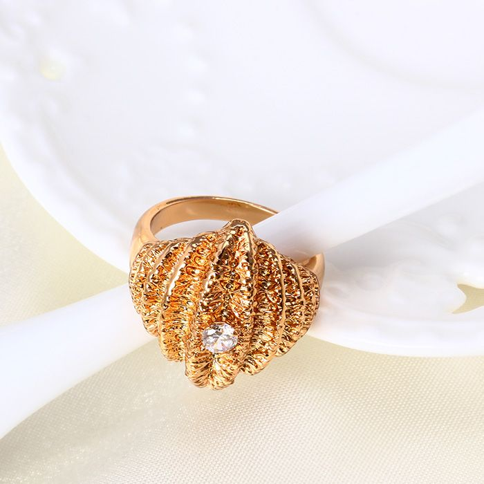 China Xuping New Design Women CZ Stone Ring with 18k Gold Plated ...