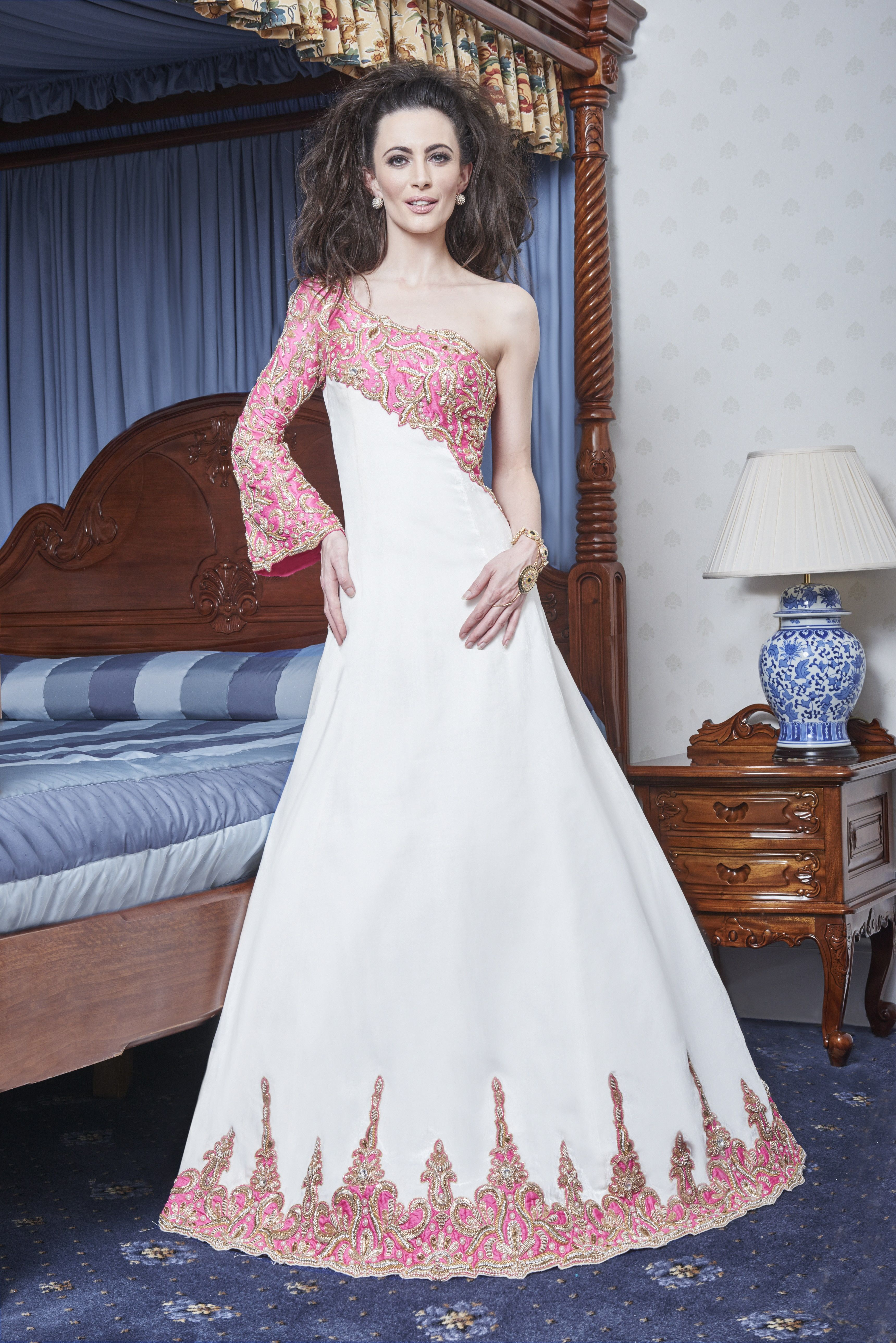 We08 Off White Velvet A Line Fusion Gown With A Quirky Asymmetrical One Sleeve Style In Pink Raw Silk Ball Gowns Gowns Bridal Gowns [ 5152 x 3439 Pixel ]