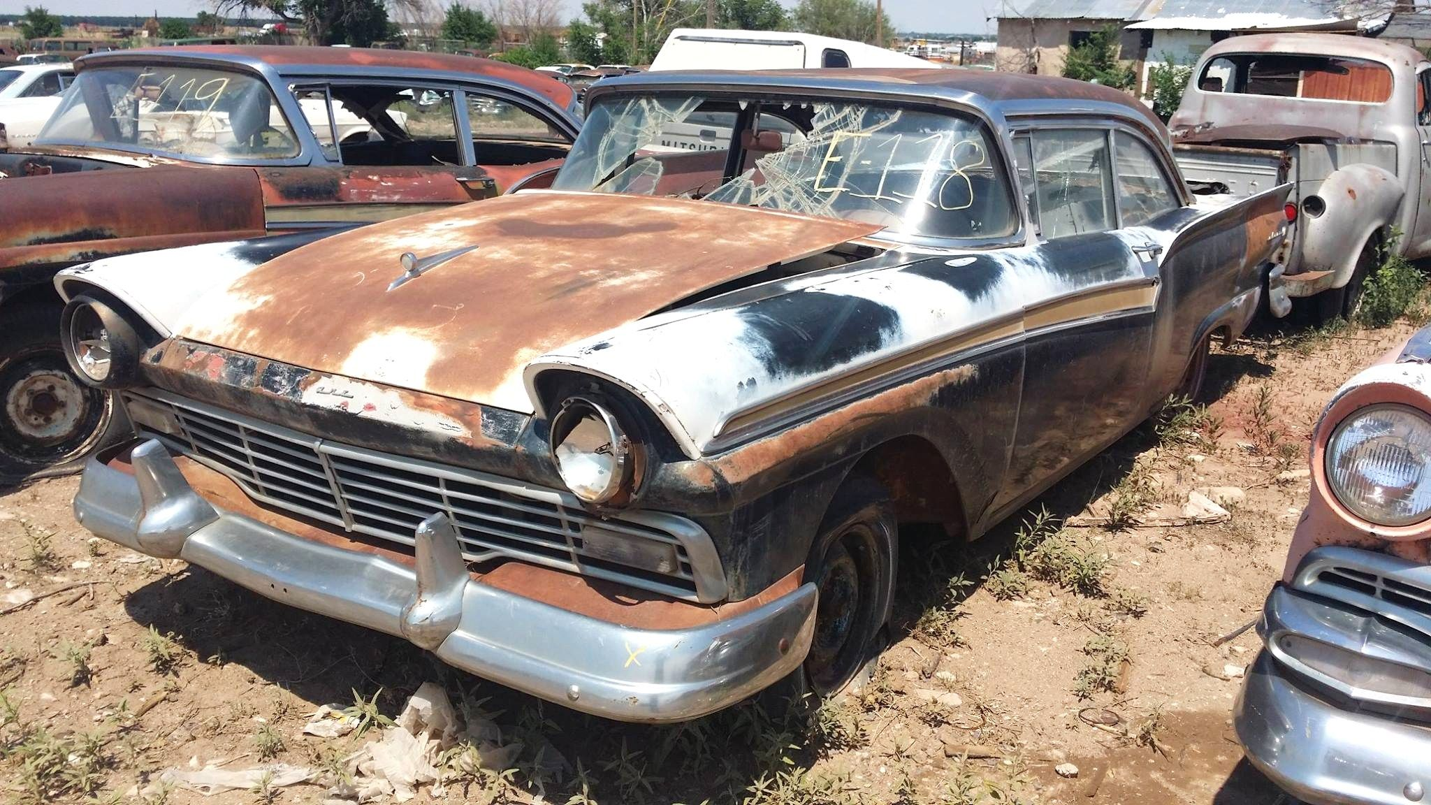 Last chance for close encounter at roswell salvage yard