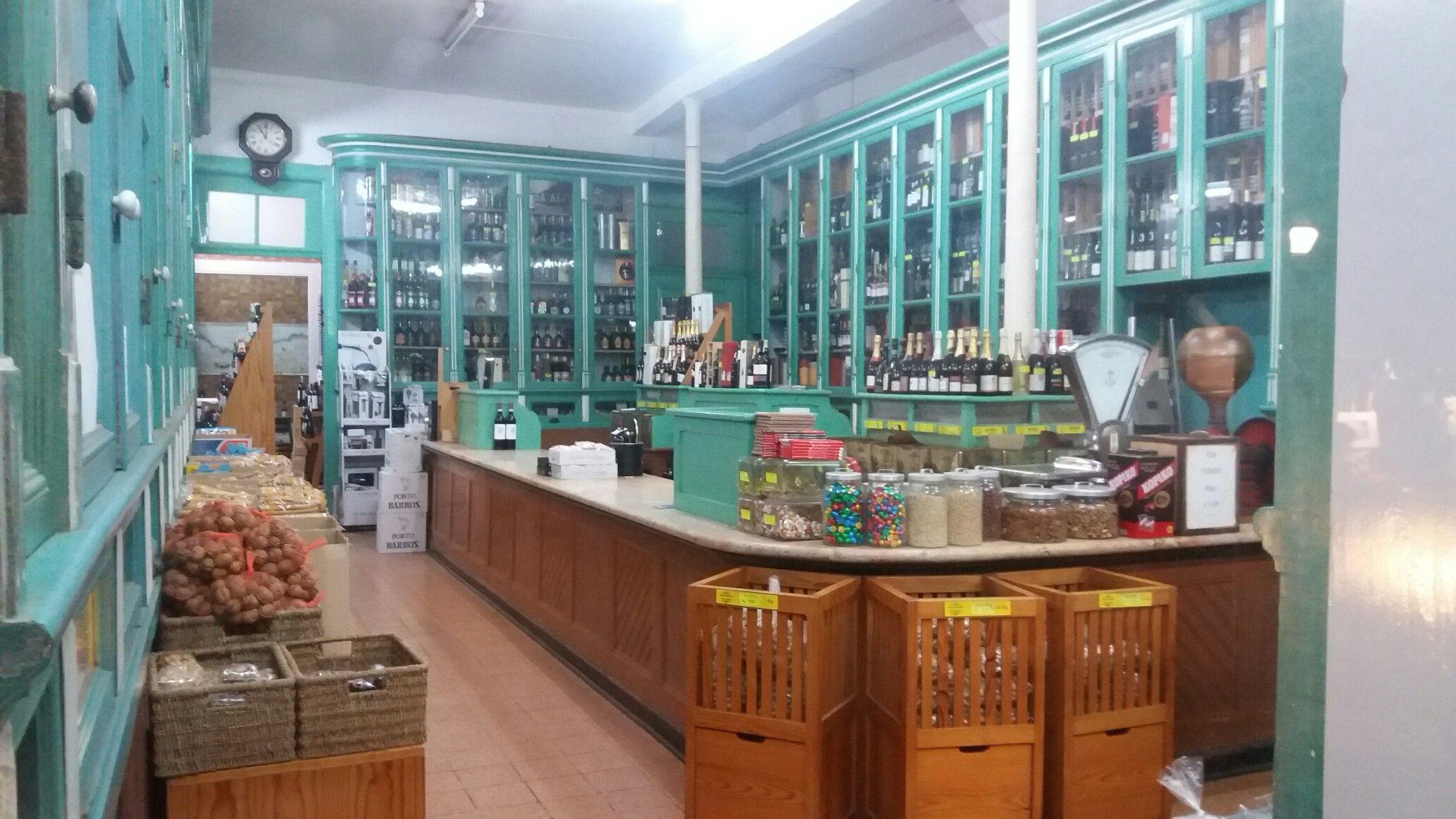 Casa Alves Ribeira, fundada en 1900, Espinho