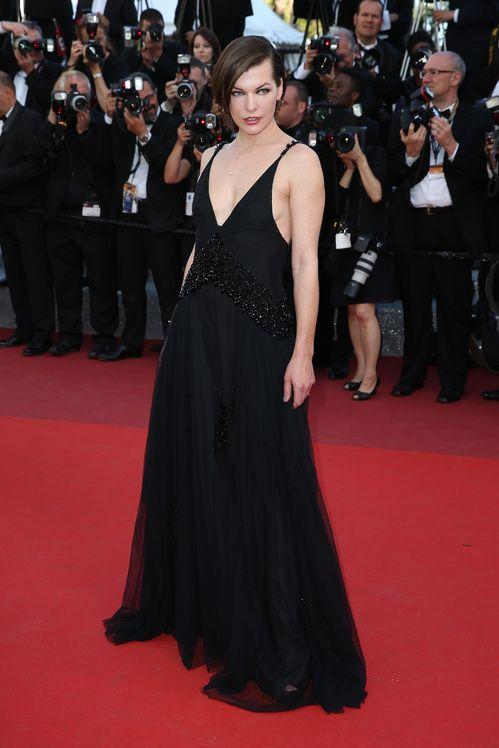 Milla Jovovich en Prada au festival de Cannes 2016