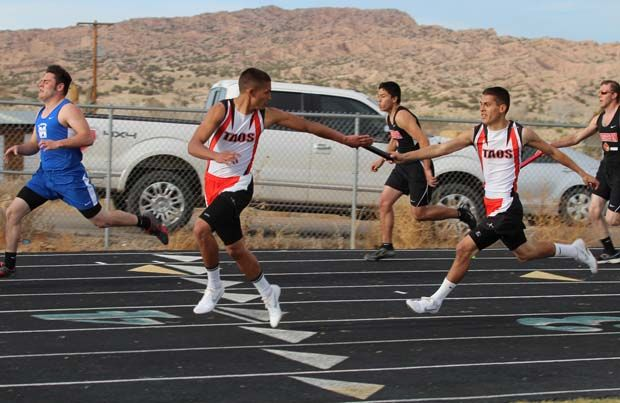 Taos Tigers win Pojoaque track meet