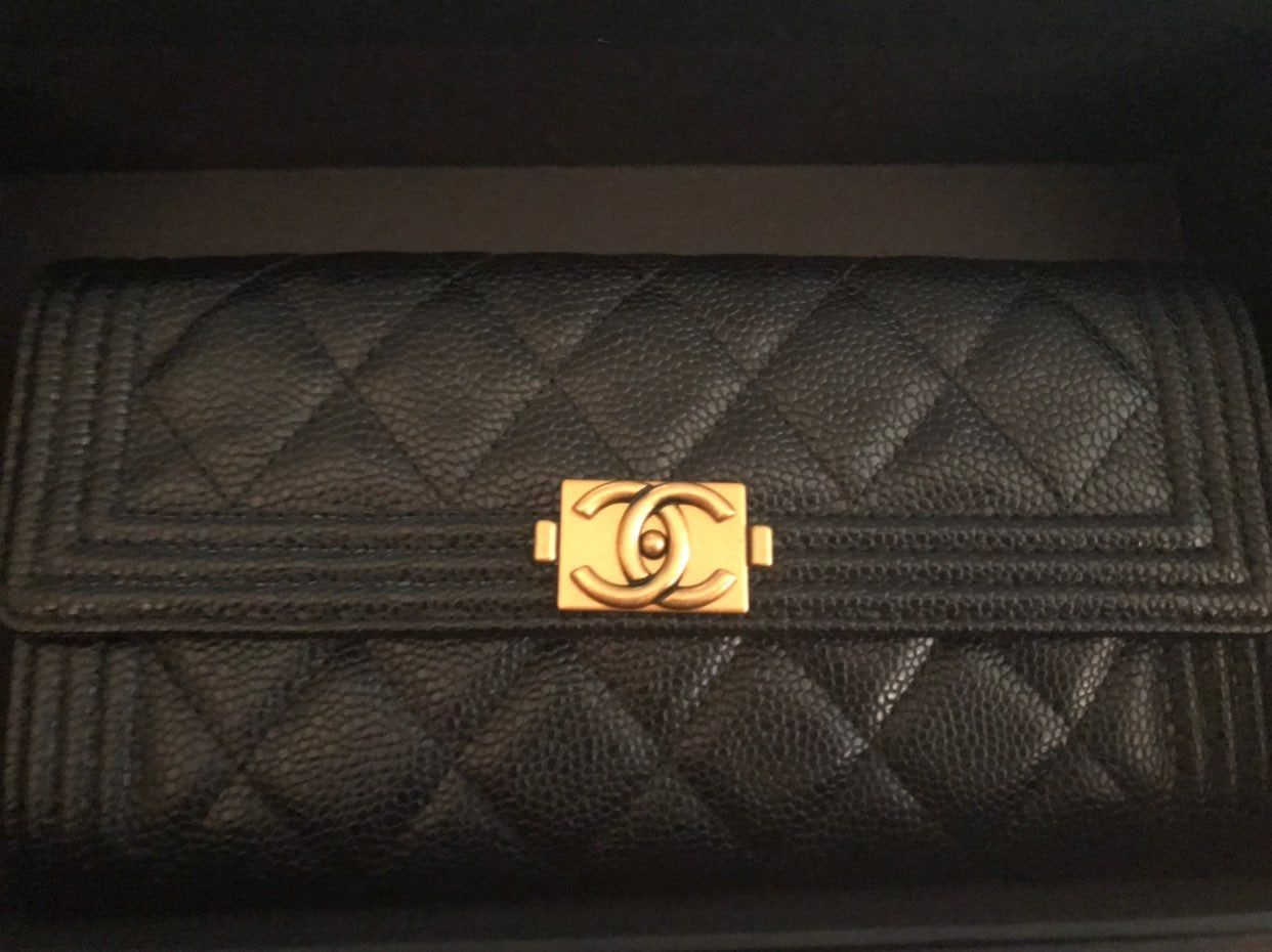 Preloved Authentic Chanel Caviar Leather Long Flap Wallet Great