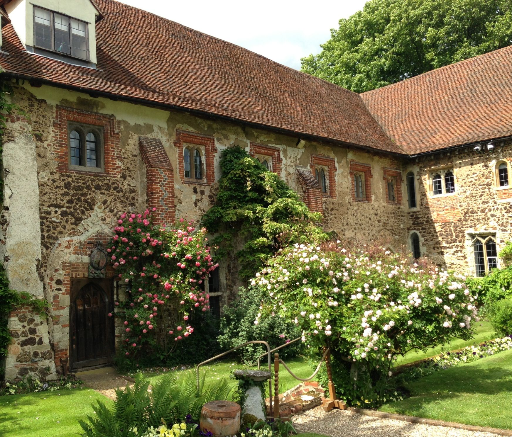 Beeleigh Abbey Maldon Essex With Its Beautiful Gardens Beautiful Buildings Maldon Beautiful Gardens