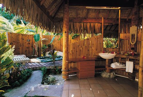 Best Honeymoon Resorts With Outdoor Showers Outdoor Bathrooms Outdoor Baths Best Honeymoon Resorts