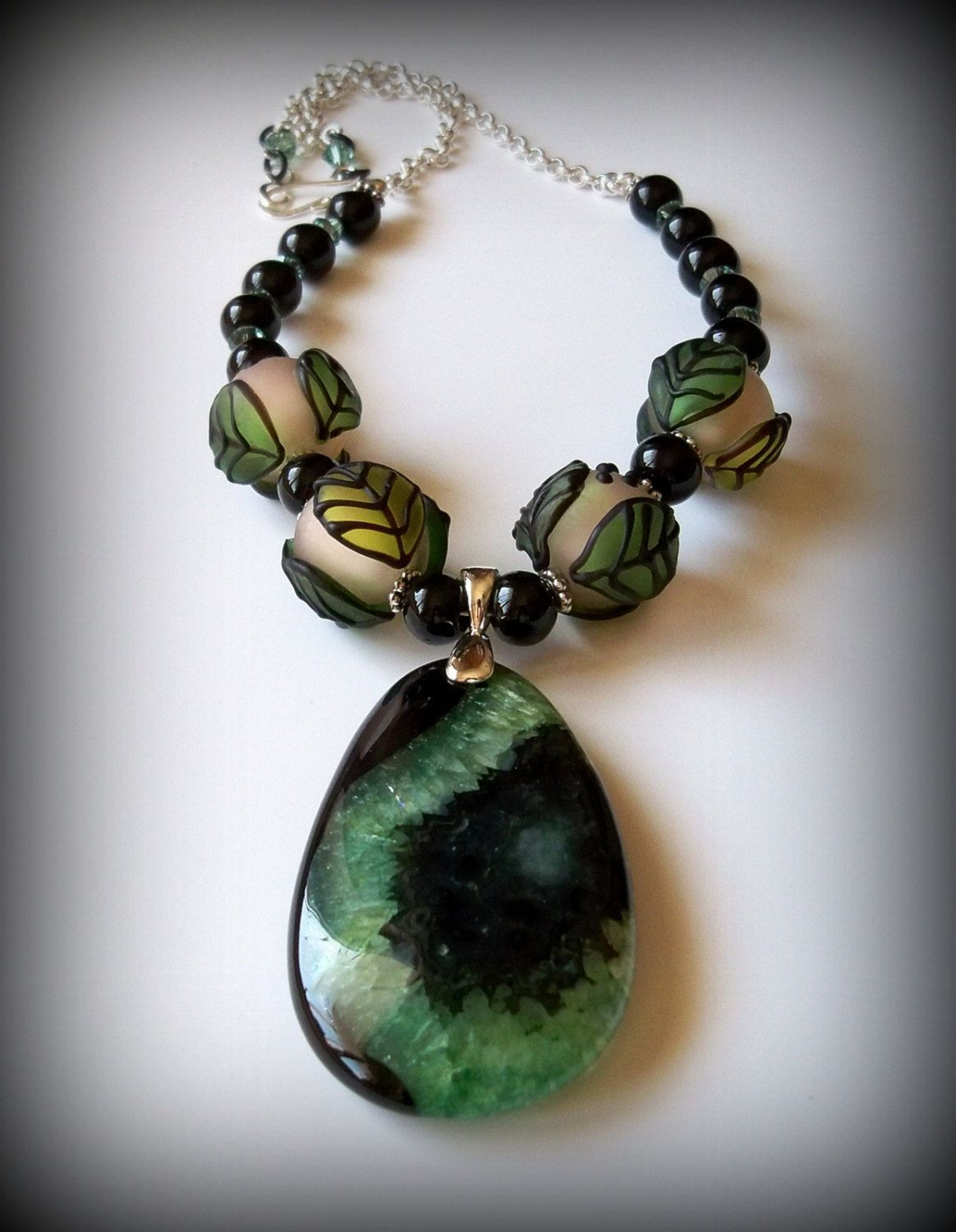 Green and Black Agate Pendant Necklace by MyDancingRainbows on Etsy #necklace #Agate #jewelry #MyDancingRainbows #Etsy