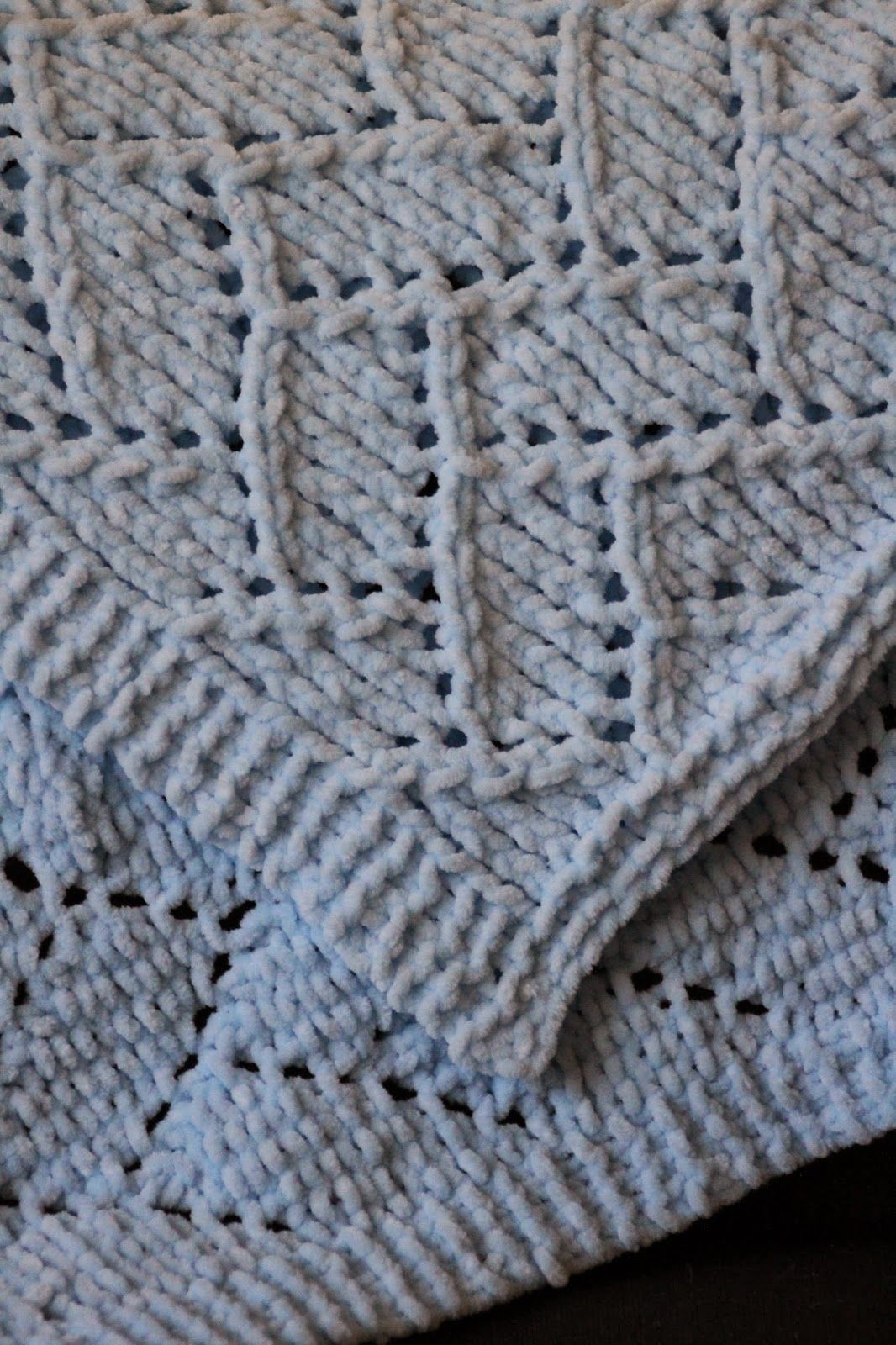Bricklayer\'s Lace Baby Blanket | Easy baby blankets | Pinterest ...