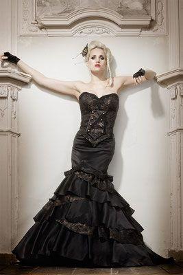 Steampunk Wedding Lucardis Feist Extravagante Brautmode Hochzeitsanzuge Und Ausgefallene Gehrocke Braut Ausgefallene Kleider Kleider