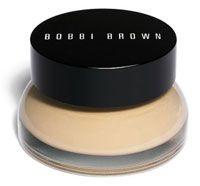 Lisa Eldridge: light tot medium dekking voor droge en oudere huid - Bobbi Brown's tinted moisturizing balm. Mooie dewy look zonder glim.