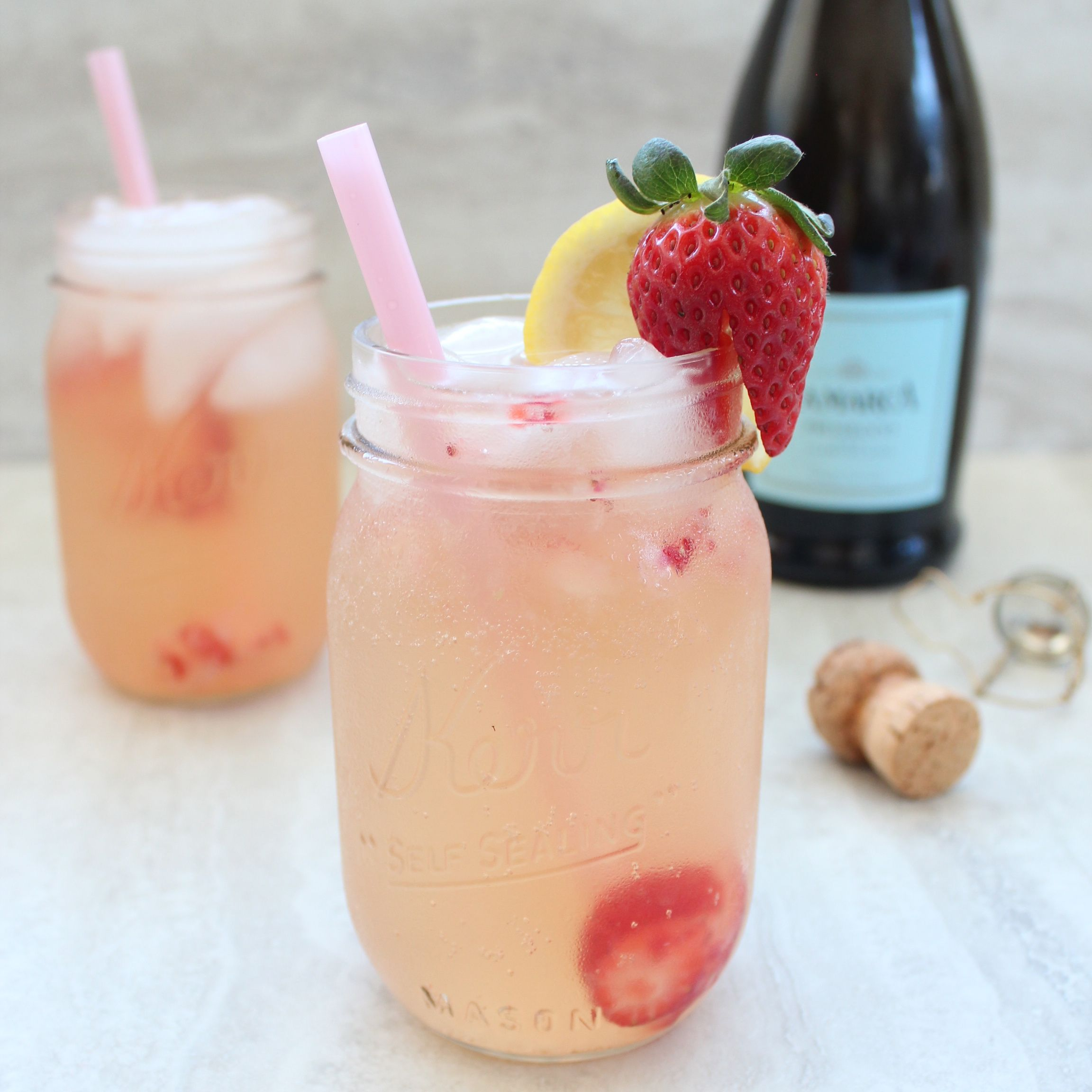 Strawberry prosecco sangria recipe sangria cocktail for Drinks made with prosecco