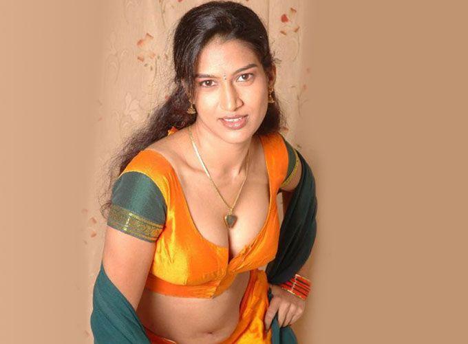 semi-nude-lady-on-saree-sexy-asian-models-s