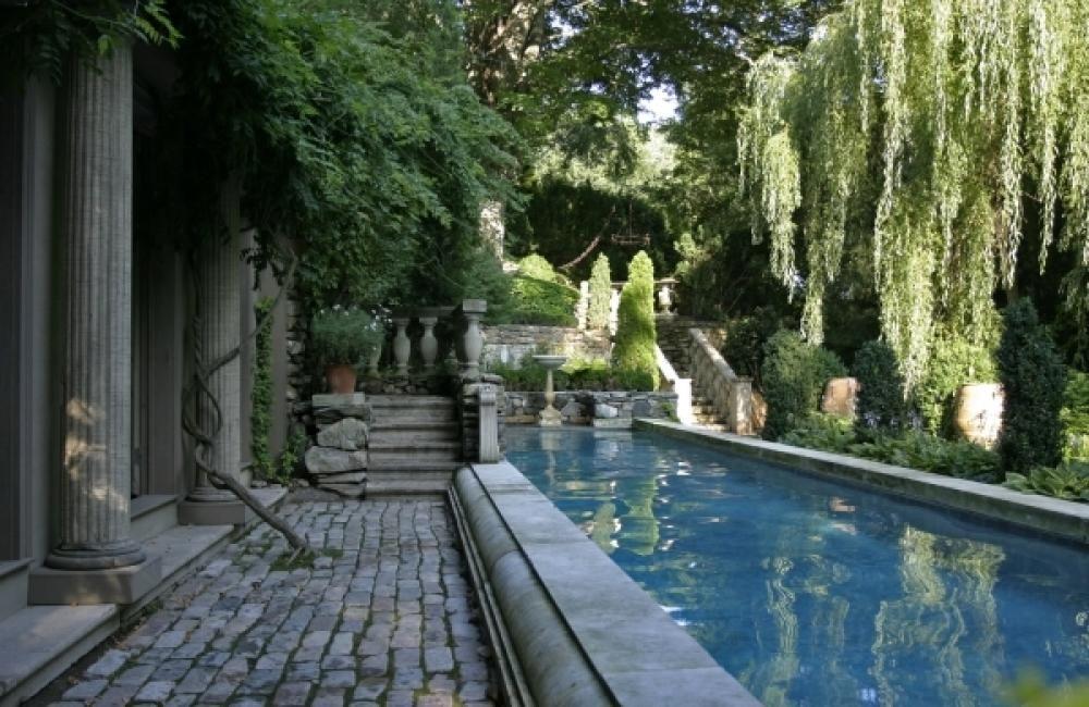 Garden And Pool Cocnrete Deck Floor Plan Creative Outdoor Setting in Urban Environment Home design