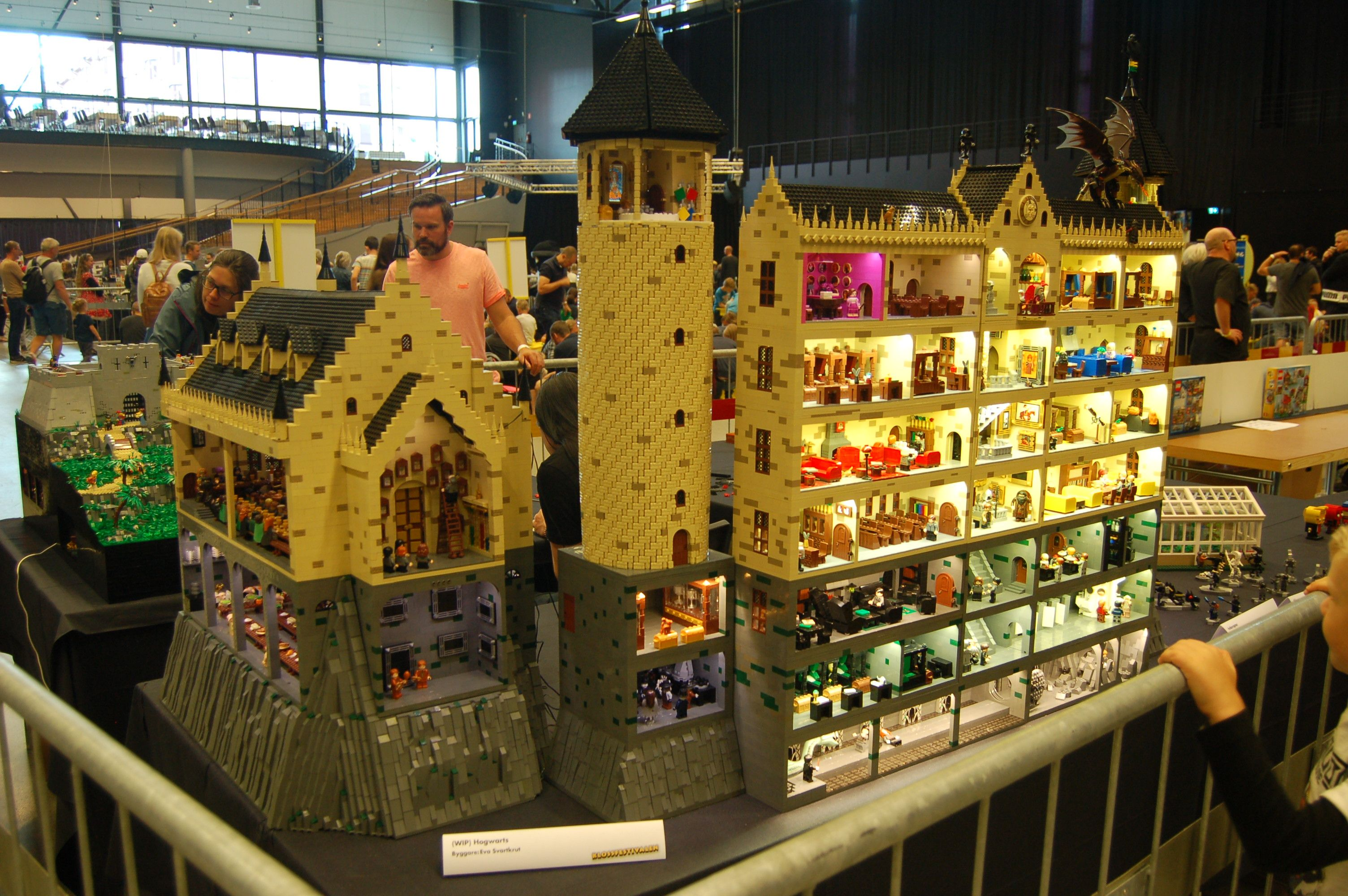 Harry Potter By The Books Harry Potter Hogwarts Castle Lego Hogwarts Hogwarts Castle