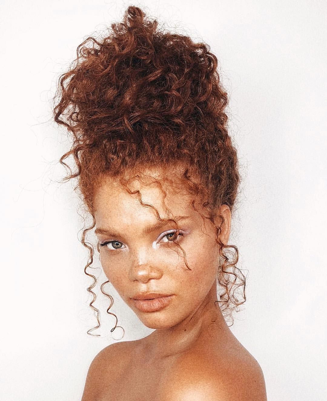 A Castle For Your Natural Curls This Updo By Kathleen Hair Comment Your Secret To Healthy Bouncy Cur