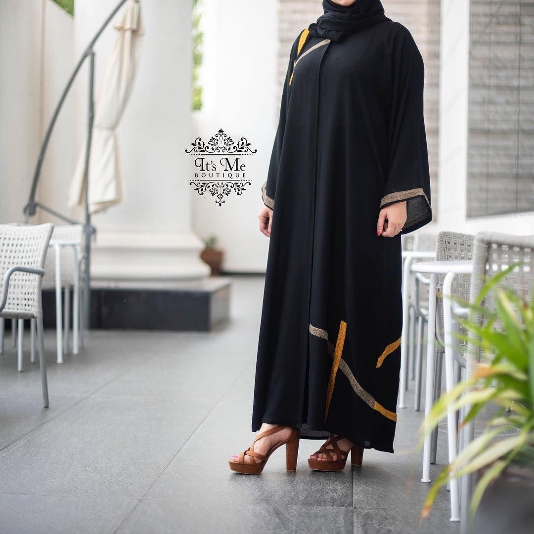 اللي طلبوا صورة التطريز عن قرب لـ هالعباية تابعوا بوست القادم عباية تطريز من الامام و الخلف Abaya Fashion Ladies Blouse Designs Abayas Fashion